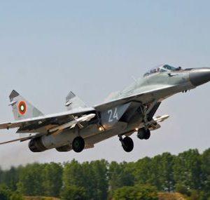 Български изтребител МиГ-29 е паднал в Черно море. Издирват пилота