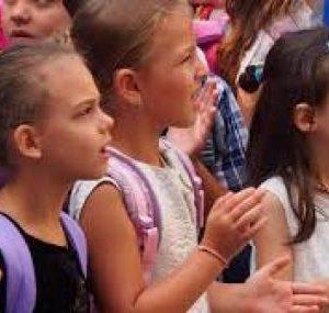 Йотова, Нинова и Карадайъ поздравиха учениците и учителите им