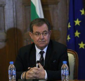 Министър Бозуков: Директорът на БАБХ е сменен заради съмнителни договори