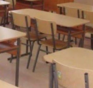 Учениците с COVID-19 са се заразили извън училище