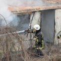 Човешки останки са открити след пожар във фургон