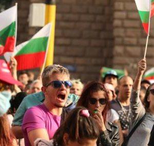 Шести пореден ден протест срещу властта и главния прокурор