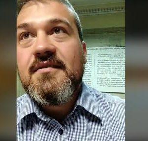 Никола Вапцаров от сградата на НС за ФАКТИ: Ще останем тук, докато не се срещнем с депутатите