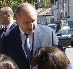 Румен Радев: Промяната в България трябва да започне от образование, независимо кой печели изборите
