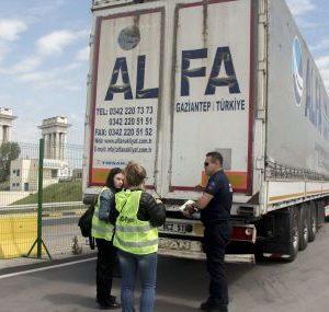 Турция върна 20 камиона с пластмасови отпадъци към България и Европа